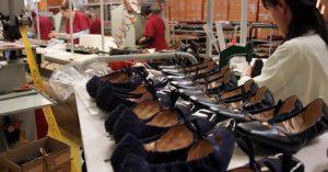 industria-calzaturiera-scarpe-produzione-imagoeconomica-koae-835x437ilsole24ore-web